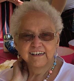 Mme Ghislaine (Mathieu) Busque