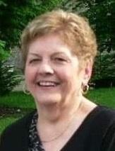 Mme Lucille Paré Douillard